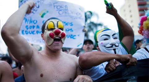 Brazilians in Sao Jose dos Campos, protesting poor public services, police violence and government. Photo:  Roosevelt Cassio/Reuters