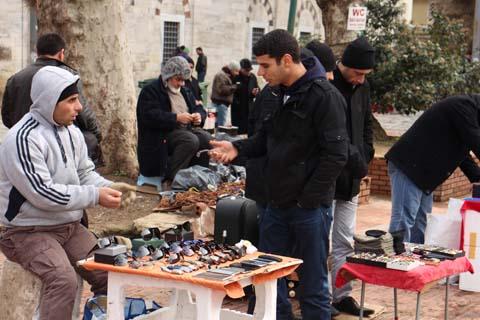 Informal market selling secular modern goods, Vezneciler